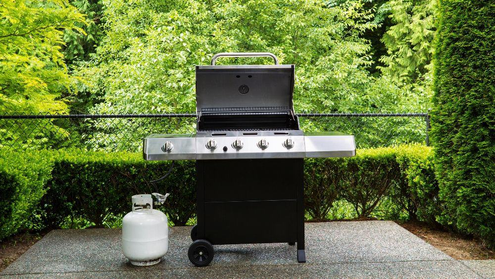 Features to consider when choosing the best grill under $500.