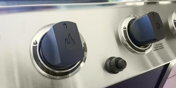 Gas grill burner controls
